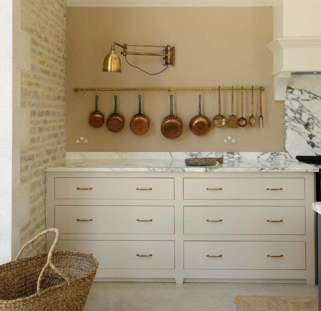 Devol Kitchens_Aged Brass Hanging Rail
